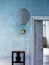Lampa luftballong blå/vita ränder
