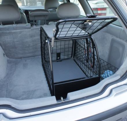 Artfex Hundbur Audi A3 2013- LT-S för bil med lasttröskel, eventuellt kan bur behövas att pallas upp lite