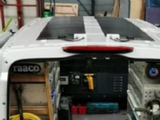Basis Plus solcellesæt til varevognen hvis du har brug for 230V/3000W i bilen 2 stk Fleksible CIGS solceller på hver 95Wp 237x42 cm