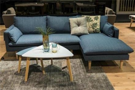 Sunderland blå sofa med chaiselong - træben
