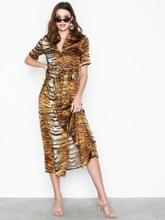 Missguided Tiger Print Skater Dress Loose fit