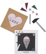 Design Letters Hammer Artist (Glass)