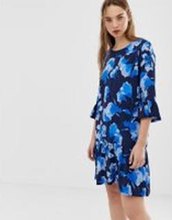 Minimum - Blommig klänning med utställd ärm - Blå klänning