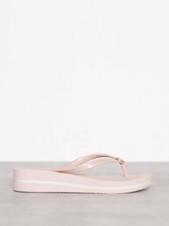 Flip-Flops - Soft Pink Michael Michael Kors Bedford Flip Flop Stripe