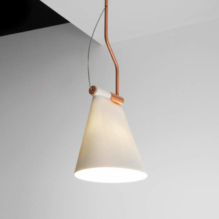 Cone Light S1 - pendellampe med skjerm i porselen