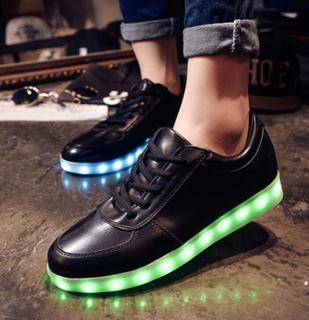 Led skor / sneakers - 7 olika led färger - svarta stl 36