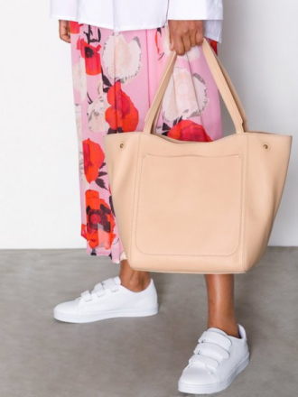 Håndvesker - Natur Filippa K Shelby Bucket Leather Bag