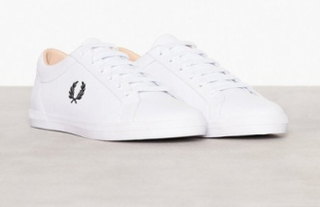 brand new f9927 0f294 Fred Perry Baseline Leather Sneakers   textilskor White