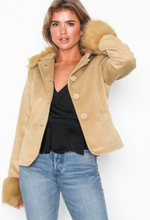NLY Trend Fur Detailed Jacket