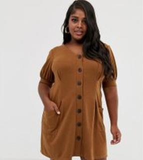 ASOS DESIGN Curve - Strukturerad klänning med puffärm och knappar i hornimitation - Brun
