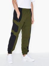 Nike Sportswear M Nsw Re-Issue Pant Wvn Byxor Black/Green