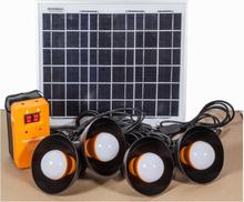 Aurinkopaneeli energiapakkaus 4 x 1,2 W led-valaisimilla