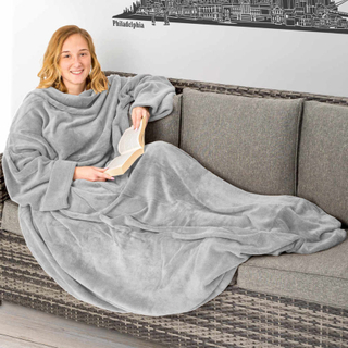 Tæppe med ærmer - grå, 180 x 150 cm