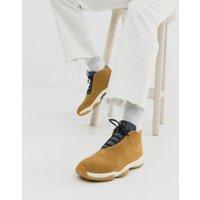 Nike - Air Jordan Future - Bruna träningsskor - Brun