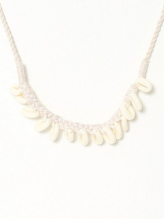 Glamorous Shell Charm Necklace