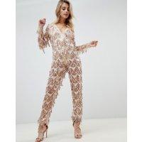 PrettyLittleThing - Guldfärgad jumpsuit med paljetter och tofs - Guld