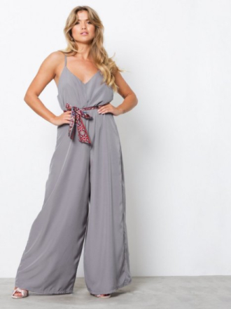 NLY Trend Wide Leg Jumpsuit Harmaa