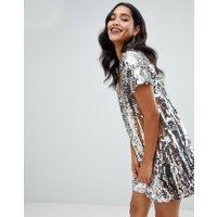 TFNC - Silvrig shift-klänning med paljetter - Silver multi