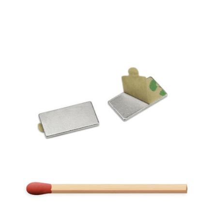 Selvklebende blokk magnet 15 x 8 x 1 mm