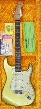 Fender 61 Strat ACS Sparkle Relic