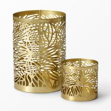 Guldfärgad ljushållare i metall, 12x17 cm