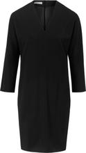 Klänning i 100% ren ny ull från St. Emile svart
