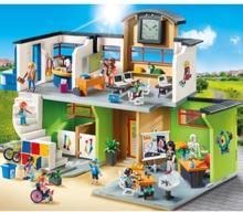 - City Life - Inredd skolbyggnad