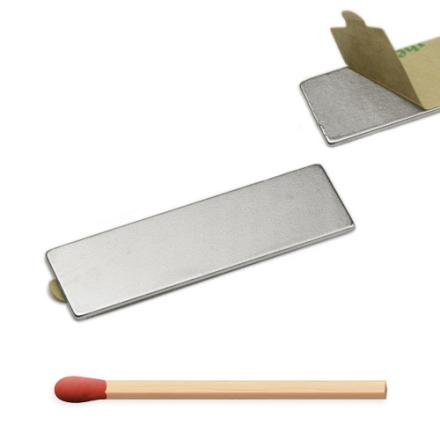 Selvklebende blokk magnet 40 x 12 x 1 mm med sterkt lim