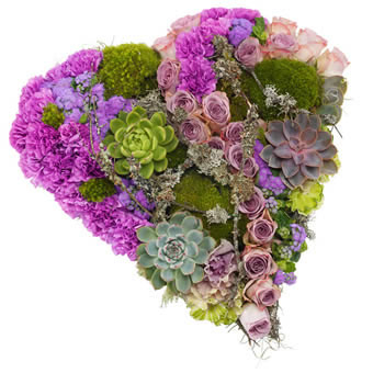 Hjerteformet båredekorasjon i lilla farger