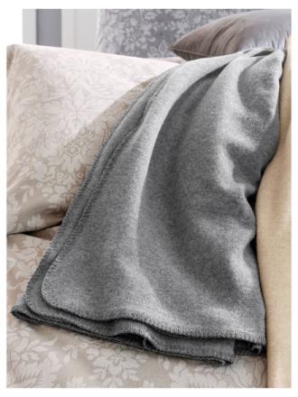 Pläd i 100% ren ny ull från Giesswein grå