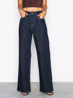 NLY Trend Baggy Contrast Denim Bootcut   Flare 8138cc827d063