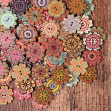 Blumenförmige Holzknöpfe