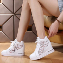 Women Wedge Platform Sneakers Rubber Brogue Leather High heels Lace Up Shoes Pointed Toe Height Increasing Creepers White Silver