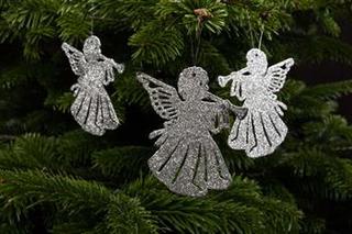 juletræspynt - Engle med sølvglimmer måler 10x9 cm.