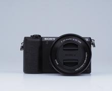 Sony Alpha 5100 Systemkamera mit 16-50mm Objektiv (Englisch Version) - Schwarz