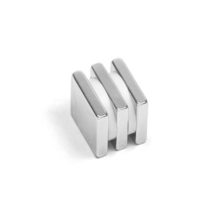 Firkantet blokk magnet 15 x 15 x 3 mm
