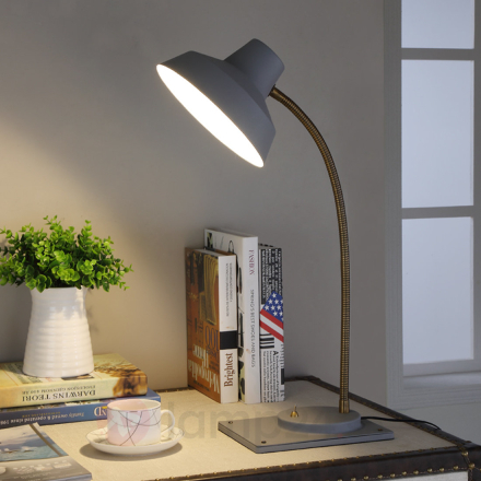 Cayetana - LED-bordslampa i retrostil