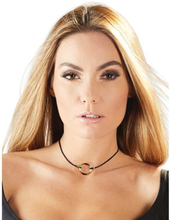 Choker with ring