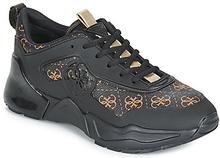 Guess Sneaker TERAIN7