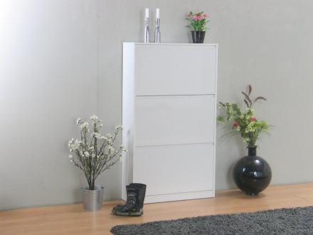 Light skoskap med 3 skuffer bredde 77 cm, høyde 131 cm, hvit høyglans.