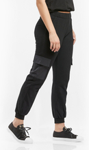 W. Pocket Sweatpants