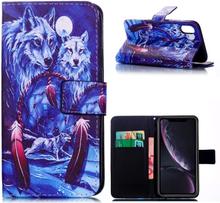 iPhone Xr beskyttelses deksel av syntetisk skinn med printet mønster - drømme fanger og ulver