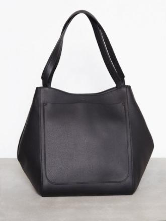 Håndvesker - Svart Filippa K Shelby Bucket Leather Bag