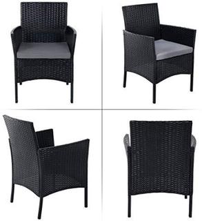 Sæt med 4 polyrattan havemøbler, gårdhave møbler sæt med 2 stole, 1 sofa, 1 sofabord med hærdet glasplade, 3 hynder med aftagelige betræk sort