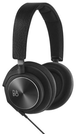 B & O spille ved Bang & Olufsen BeoPlay H6 andre generasjon over ør...