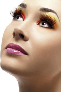 Eyelashes Black contains Glue
