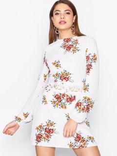 Ax Paris Long Sleeve Floral Dress Skater kjoler