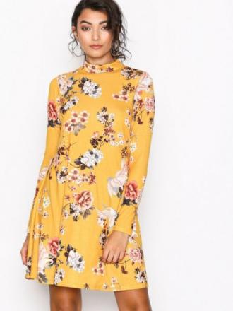 Langermede kjoler - Gul NLY Trend Print Swing Dress