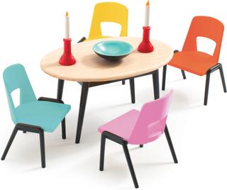 Dockhusmöbler - matsal