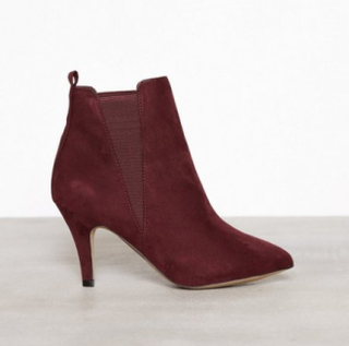 Bianco Low Heel Chelsea Heel Burgundy